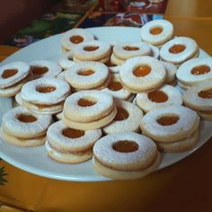 Klasszikus lekváros Linzer, a kedvenc aprósütink! Hungarian Recipes, Doughnut, Cheesecake, Cookies, Food, Crack Crackers, Cheesecakes, Biscuits, Essen