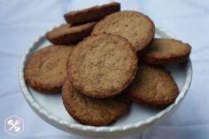 cookies-pasta-de-amendoim e coco (manteiga de amendoim, açucar de coco, whey de chocolate, coco ralado e ovo