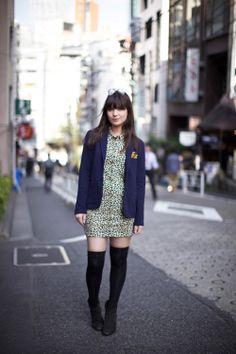 Blazer : Lacoste L!VE    Robe Leo : Lacoste L!VE    Chaussettes : Tokyo sock shop    Boots : Antik Batik  nov