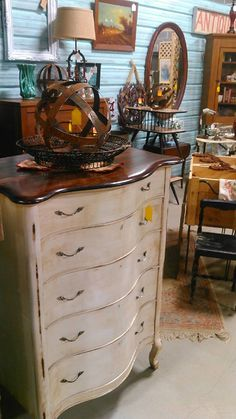 Brass Bear in Hoover, AL -- Vendor WKL Aisle D -- Beautiful Chest $325