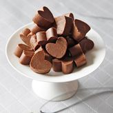 Heerlijke chocolade fudge harten, om je vingers bij af te likken! Leuke tip voor Valentijnsdag. lees meer »