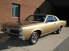OHC 6 powered 1967 Tempest Custom. Maintenance/restoration of old/vintage vehicles: the material for new cogs/casters/gears/pads could be cast polyamide which I (Cast polyamide) can produce. My contact: tatjana.alic@windowslive.com 1969 Chevelle, Pontiac Tempest, American Classic Cars, Pontiac Gto, Le Mans, Buick, Old Cars, Muscle Cars, Vintage Cars
