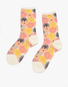 Hansel From Basel / Flower Socks in Pink Cute Socks, My Socks, Unique Fashion, Love Fashion, Happy Socks, Pretty Patterns, Sock Shoes, Passion For Fashion, Stockings