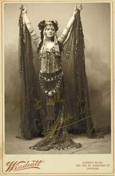 """Blanche Walsh. Star of theater of the late 19th and early 20th centuries, born in New York, USA) wins without doubt one of his greatest triumphs on Broadway in 1903 with """"Resurrection"""" after Tolstoy . In 1912, she was the star of a film adaptation of """"Resurrection,"""" in which she reprises her role of Katusha , peasant girl seduced and abandoned by a prince. In 1915, she died prematurely as a result of an operation"""