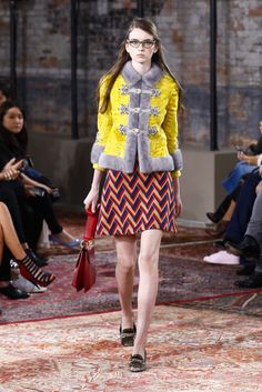 See the complete Gucci Resort 2016 collection.