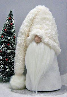 Swedish Christmas, Christmas Gnome, Scandinavian Christmas, Christmas Projects, Christmas Holidays, Christmas Ornaments, Nordic Christmas Decorations, Father Christmas, White Christmas