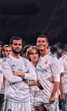 Kyrie Irving Logo Wallpaper, Real Madrid Team, Football Wallpaper, Cristiano Ronaldo, Game, Couple Photos, Couples, Beautiful, Soccer