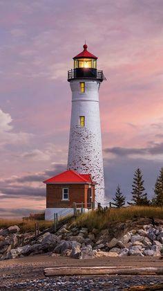 Leuchtturm in Michigan - lighthouse - Lighthouse Lighting, Lighthouse Painting, Lighthouse Pictures, Beautiful Places, Beautiful Pictures, Beacon Of Light, Beacon Of Hope, Pictures To Paint, Windmill