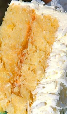 Coconut Pineapple Cake- shut the front door!!!!! – More at http://www.GlobeTransformer.org