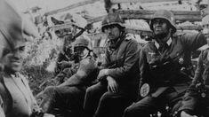 1941, Union Soviétique, Un groupe d'officiers allemands lors d'une pose pendant les combats  