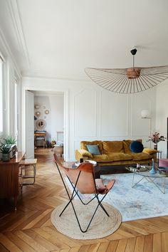 Parisian apartment Appartement parisien The Socialite Family Living Room Designs, Living Room Decor, Bedroom Decor, Design Bedroom, Living Rooms, Decor Room, Cozy Bedroom, Wall Decor, Retro Home Decor