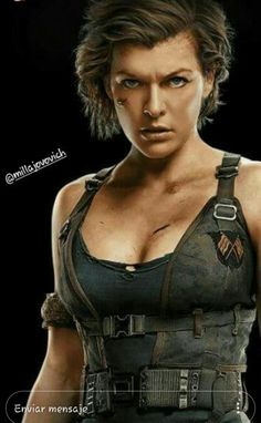 Milla Jovovich as Alice - Resident Evil: Gênesis Milla Jovovich, Resident Evil Movie Series, Alice Resident Evil, Celebrity Photos, Cosplay Costumes, Movie Stars, Cute Girls, Beautiful Women, Hollywood