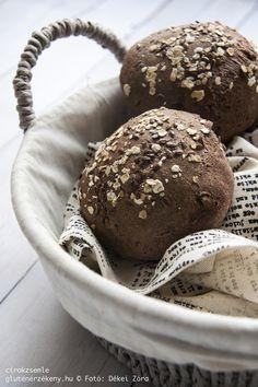 Cirokzsemle – teljes kiőrlésű gluténmentes pékáru Újabb receptötletet hoztunk a rohanó hétköznapokhoz! Legyünk mi is házi pékek, süssünk ízletes, teljes kiőrlésű gluténmentes zsemléket pillanatok alatt!