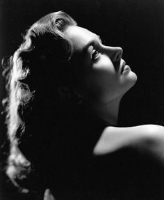 Donna Reed Old Hollywood Movies, Old Hollywood Glamour, Vintage Hollywood, Hollywood Stars, Hollywood Actresses, Classic Hollywood, Hollywood Icons, Classic Actresses, Female Actresses