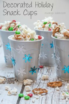 Not only are these Decorated Holiday Snacks cute and super easy to make, they'll help cut down on mess by keeping kids' snacks contained. Plus a recipe for 5-Minute White Chocolate Popcorn!