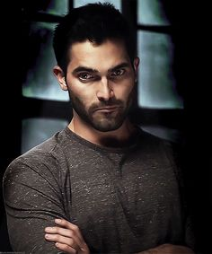 That face, that nose, that eyes, that stubble.... fuck you Tyler Hoechlin! Or Rather fuck ME! I know, crude but I don't care! That face is an instigation.