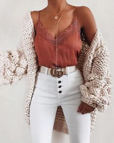 schöne Sommeroutfits - Kleidung ideen - Fash' ☂️ - 30 beautiful summer outfits Find the most beautiful outfits for your summer look. The post 30 beautiful summer outfits appeared first on clothing ideas. Fashion Mode, Look Fashion, Fall Fashion, Womens Fashion, Fashion Brands, 20s Fashion, Fashion Pics, Fashion Beauty, Cute Casual Outfits