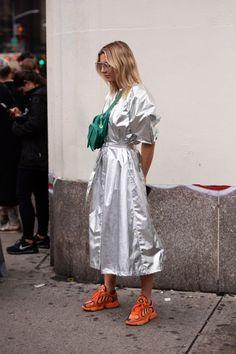 Frühling der New York Fashion Week 2019 Street Style - Uber Mode New York Street Style, Street Style Trends, Look Street Style, Street Style Summer, Street Chic, Street Styles, Street Wear, Fashion Moda, Look Fashion
