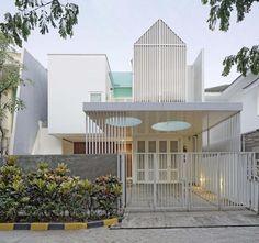 Sunter Metro Residence / Atelier Cosmas Gozali, © Fernando Gomulya