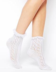 Calcetines con volante de encaje de croché de ASOS