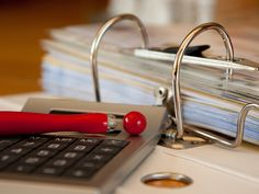 12 Accounting Skills to be best on the Job. For you to be successful in your accounting career, you need more than hard math skills because employers these days consider both hard and soft skills equally when hiring professionals. Accounting Books, Accounting And Finance, Accounting Services, Accounting Basics, Business Accounting, Bookkeeping Business, Service A Domicile, It Service Management, Finance Degree