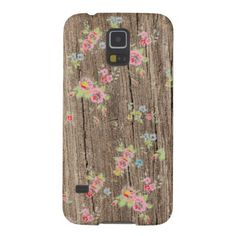 Tiny rustic chic petite tea roses romantic vintage 80s shabby floral rose flowers pattern on a beautiful faux wood background Samsung Galaxy S5 case cover.