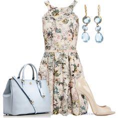 Discover the most alternative women's dresses for Autumn Maxi, midi, skater, denim or T-shirt dresses. PULL&BEAR, for girls like you. Full Skirt Dress, Full Skirts, Dress Me Up, Shorts Negros, Topshop, Summer Dresses, Formal Dresses, Floral Prints, Clothes For Women