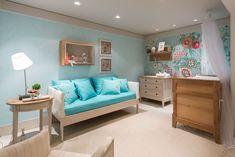 """Os arquitetos Sônia e Hélio, com profissionais convidados de Brasília apresentaram um quarto """"Babygirl"""" com uma decoração alegre e atual em cor Tiffany, para criar atmosfera delicada e infantil."""