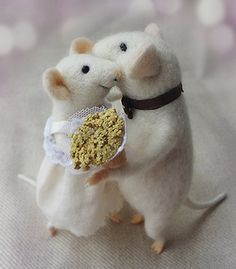 Needle felted mouse Couple Mice Wedding cake by MollyDollyNatural