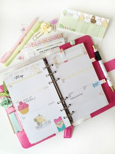 cute planner set up!  Found on cuppiecakes.storenvy.com