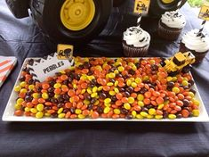 33 ideas for dump truck birthday party ideas cake construction theme Cake Table Birthday, First Birthday Cakes, 3rd Birthday Parties, 2nd Birthday, Birthday Banners, Birthday Invitations, Construction Birthday Parties, Construction Party, Construction Business