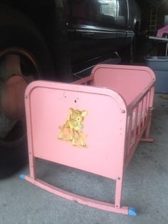 Vintage metal Amsco Doll E Cradle