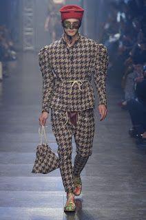 Vivienne Westwood Gold Label Spring/Summer 2016 - Paris Fashion Week