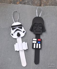 May the 4th be with you! DIY Star Wars Popsicle Stick Christmas Tree Ornaments / Puppets