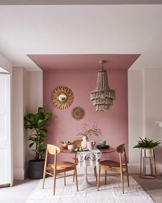 Monday Inspiration: The Power of Paint - Mad About The House - Interior design - Dining Room Decor, Room Decor, Interior Design, House Interior, Feature Wall Living Room, Living Room Wall, Interior, Home Decor, Bedroom Wall