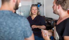 Nur eines unserer sechs Startups hat eine Frau im Gründerteam – dabei hatten sich gar nicht so wenige Frauen beworben. Unser Coach Julia Derndinger hat uns erklärt, warum sie und Andreas von Richter nicht mehr von ihnen für startup bavaria ausgewählt haben und warum sie sagt: Wir brauchen nicht unbedingt mehr Gründerinnen, aber wir brauchen mehr gemischte Teams.