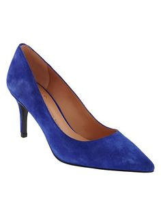 These soft suede pumps in bold cobalt blue are a go-to for adding some sophistication and color to your street style | Banana Republic