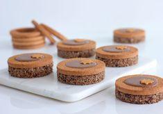 Cupcake Cakes, Cupcakes, Sweet Life, Fritters, Pavlova, Biscotti, Cookie Decorating, Christmas Cookies, Tiramisu