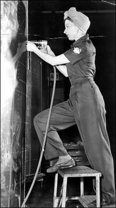 Seattle PI article on Blackout a s WWII pictures. Rosie the Riveter, 1943: Elaine Tosch does her riveting clad in a fashionable Flying Fortress uniform by Miss King. Thousands of women joined the Boeing production line during World War II as airplane output shifted into high gear. Photo: Seattle Post-Intelligencer