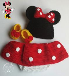 Crochet Bebe, Crochet For Kids, Crochet Hats, Dress Up Outfits, Kids Outfits, Minnie Mouse, Crochet Baby Clothes, Baby Items, Crochet Projects