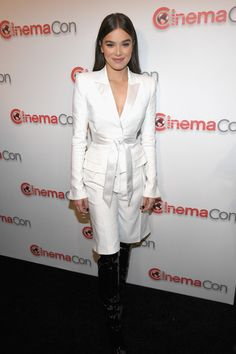 Actor Hailee Steinfeld attends the CinemaCon 2018 Paramount Pictures Presentation Highlighting Its Summer of 2018 and Beyond at The Colosseum at Caesars Palace during CinemaCon, the official convention of the National Association of Theatre Owners.