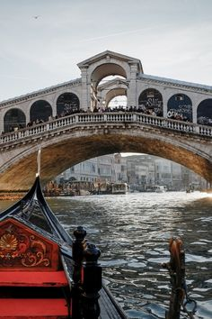 Venetië, Ponte di Rialto, Italië (by Lorenzo Tazzioli)
