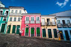ブラジルの古都の色鮮やかな旧市街は マイケル・ジャクソンのPVにも登場|今日の絶景|CREA WEB(クレア ウェブ)