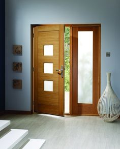 Turin External Oak Door with Sidelight. Light Oak Stain finish #externaldoors