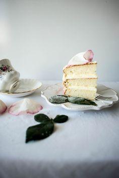 Crystallized White Rose Cake