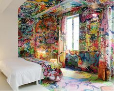Cet hôtel particulier de Marseille, Au Vieux Panier, me donne très envie d'aller passer une nuit entre ses draps ! Des chambres toutes très originales et graphiquement bien pensées. L'hôtel se veut donc une place où rester tout en étant une œuvre d'art, rien de moins ! Les 6 chambres ont été pensées et créées […]