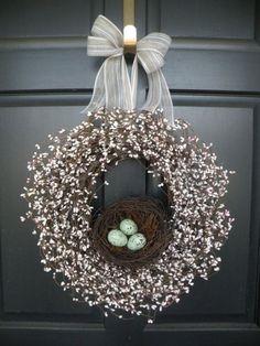 Velikonoční věnce z přírodních i umělých materiálů