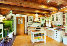 v Krkonoších - kuchyň Farms Living, Cottage Interiors, Kitchen Styling, Cottage Style, My Dream Home, Sweet Home, Dining Room, Rustic, Table