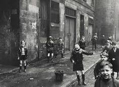 'Children, the Gorbals, Glasgow', Roger Mayne Gorbals Glasgow, The Gorbals, Roger Mayne, Black N White Images, Black And White, Tales From The Crypt, Glasgow Scotland, Scotland Travel, Edinburgh