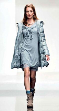 Piumino turchese dalla collezione di abbigliamento Twin Set autunno inverno 2013 2014.